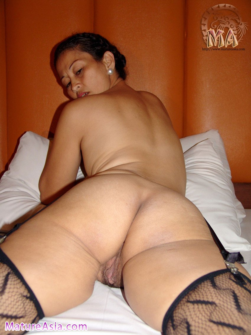Nude hot desi cock sucking