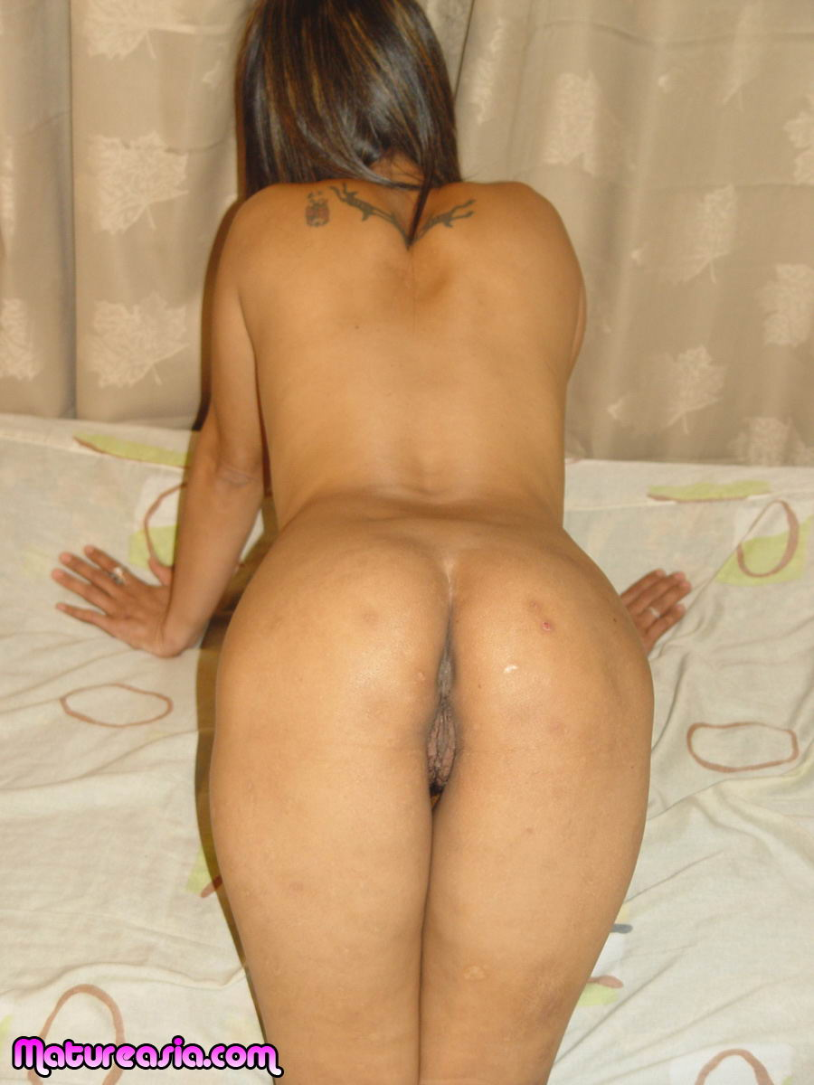 image Amateur asian milf sucks dick like a pro