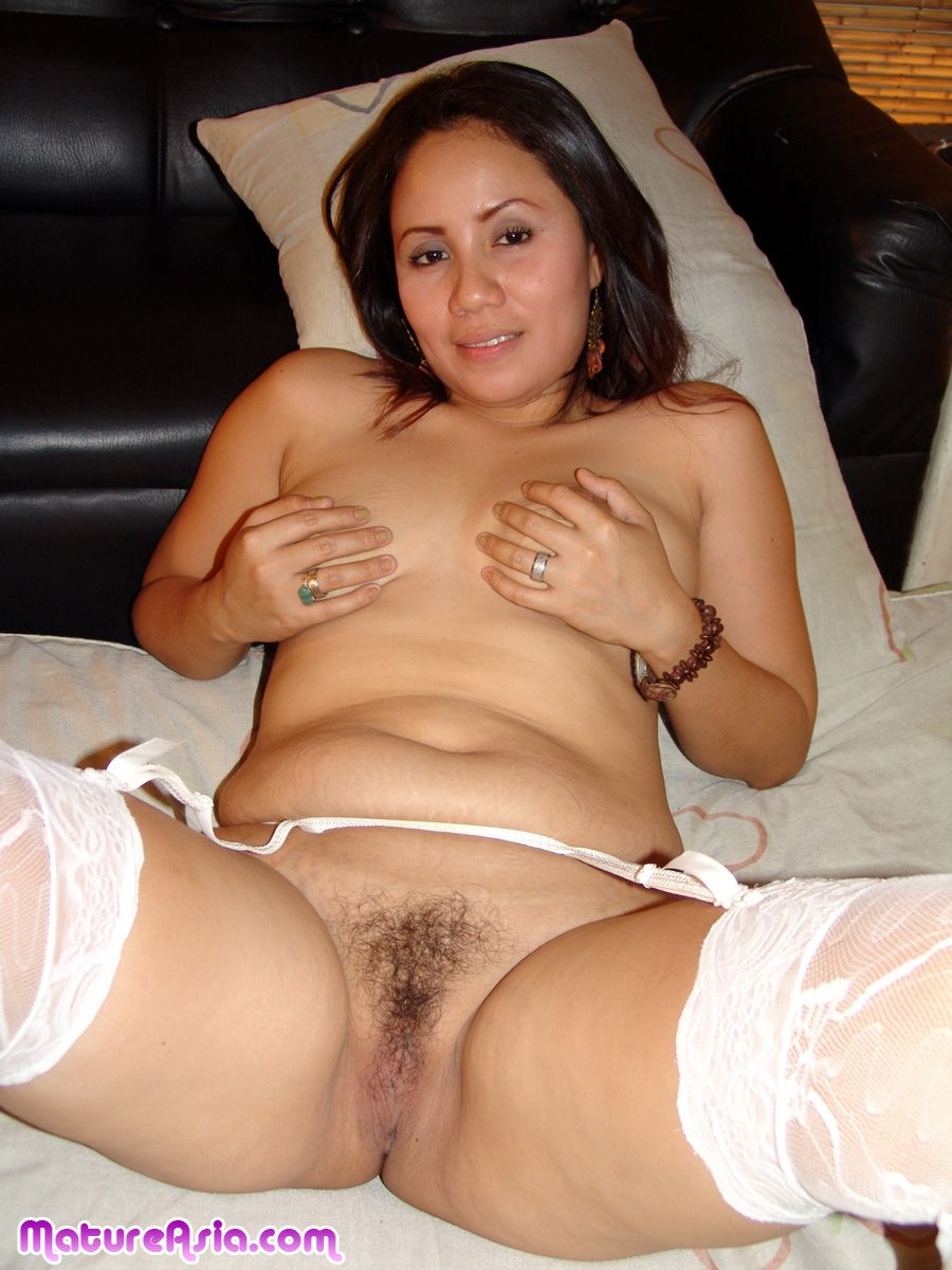 Amateur Asian Milf Facial