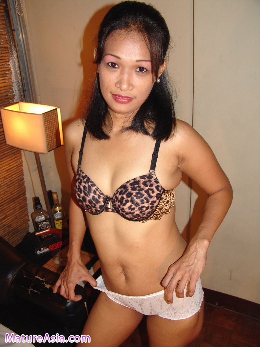 mature chinese sex Chinese Fillipino Mature Asian named Jasmine having sex for photos and video