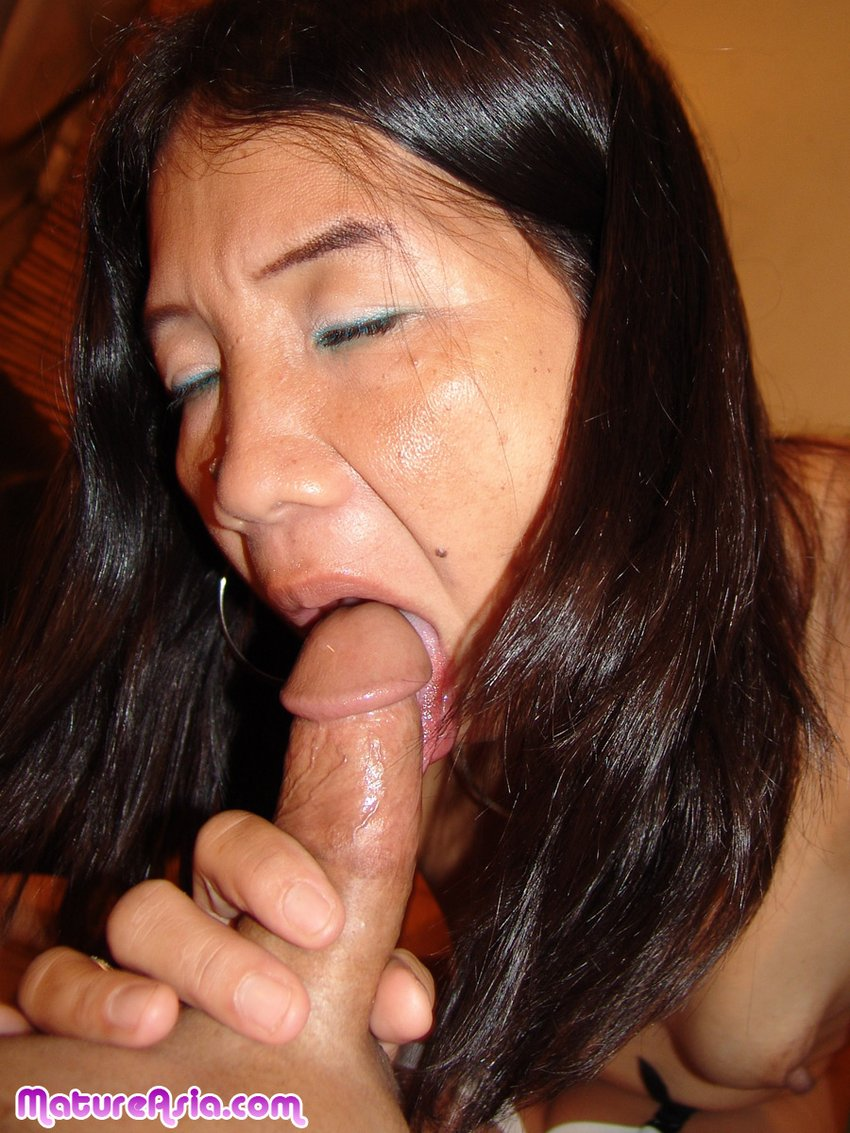 Mature Loves Sucking Cock