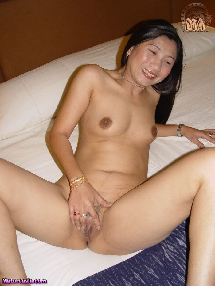 Japanese milf cute naked