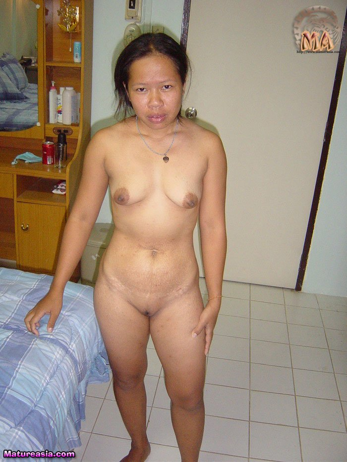 Asian Girl Creams Dildo