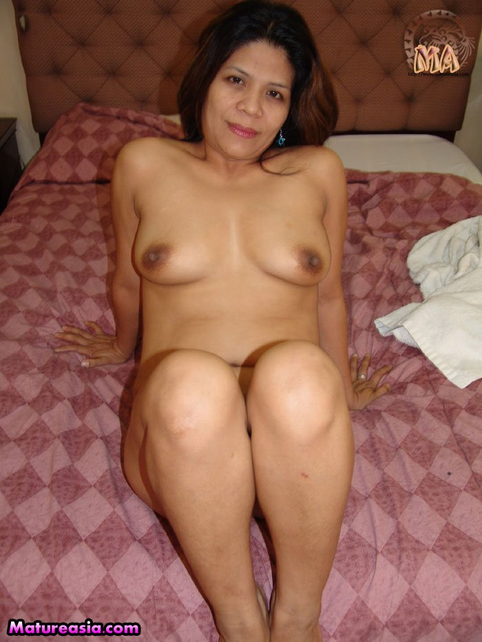 Mature nextdoor wife
