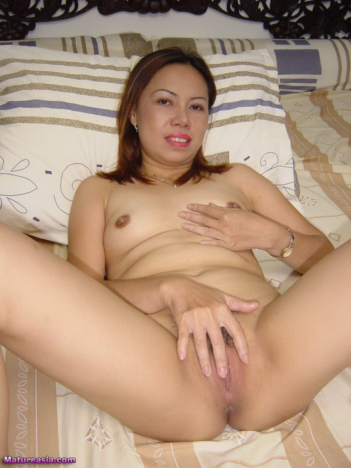 ASIAN PUSSY FUCKED WET SWEET