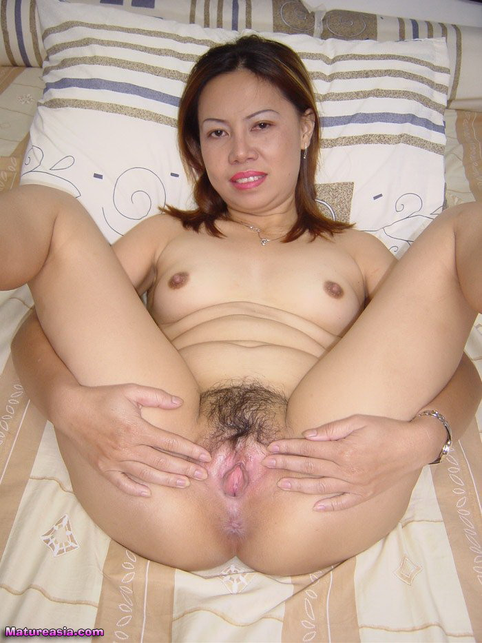 Jane Amateur Horny Asian MILF Spreads her Tight Ass and ...