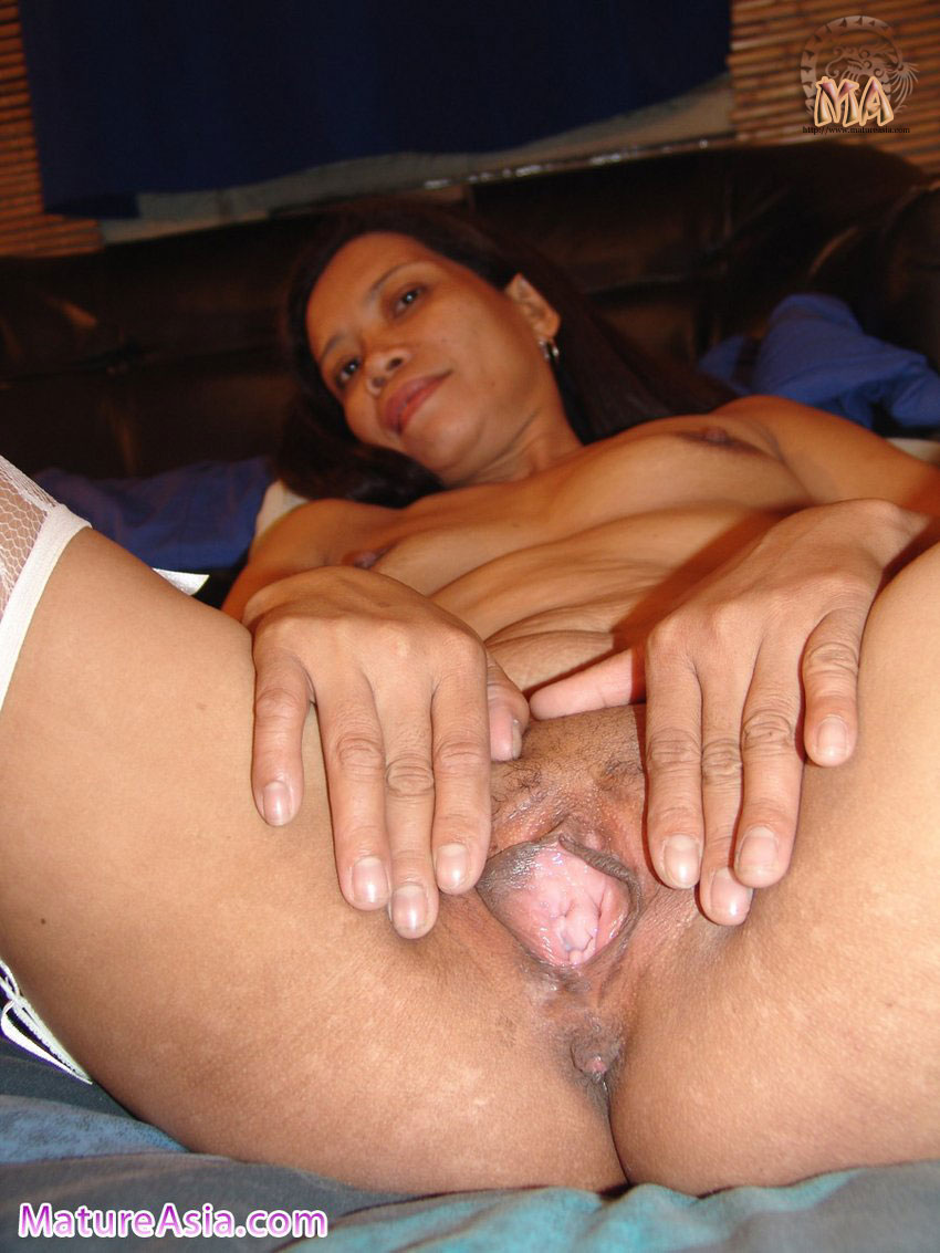 Beautiful granny is still hungry for fuck and cock 9