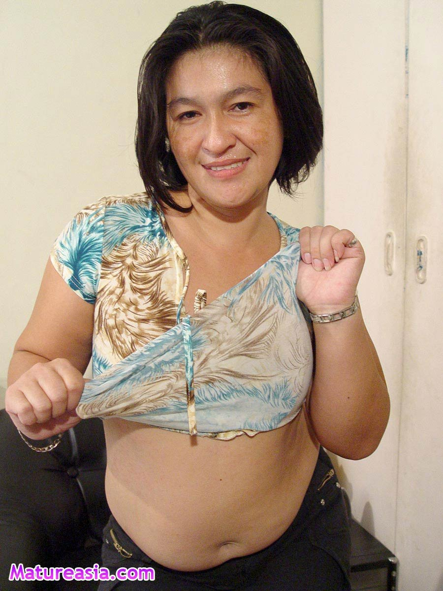 Mature asian fucks fat toy
