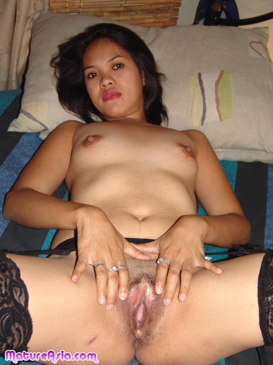 Mature asian moms having sex