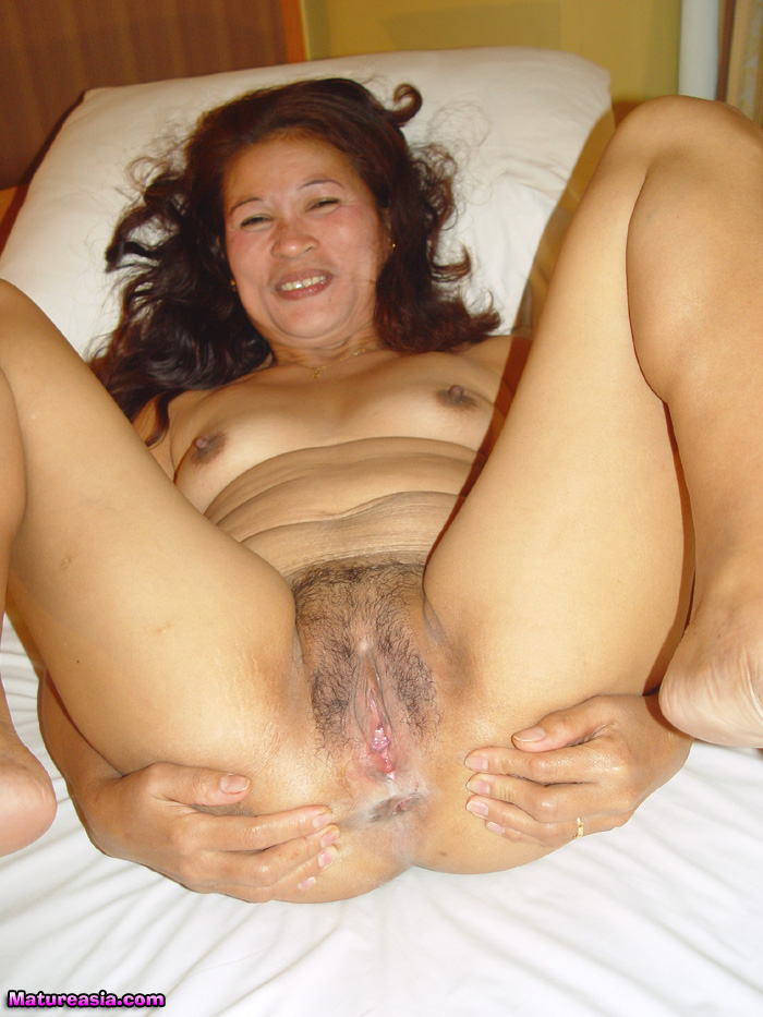 Mature asian pussy feeling real