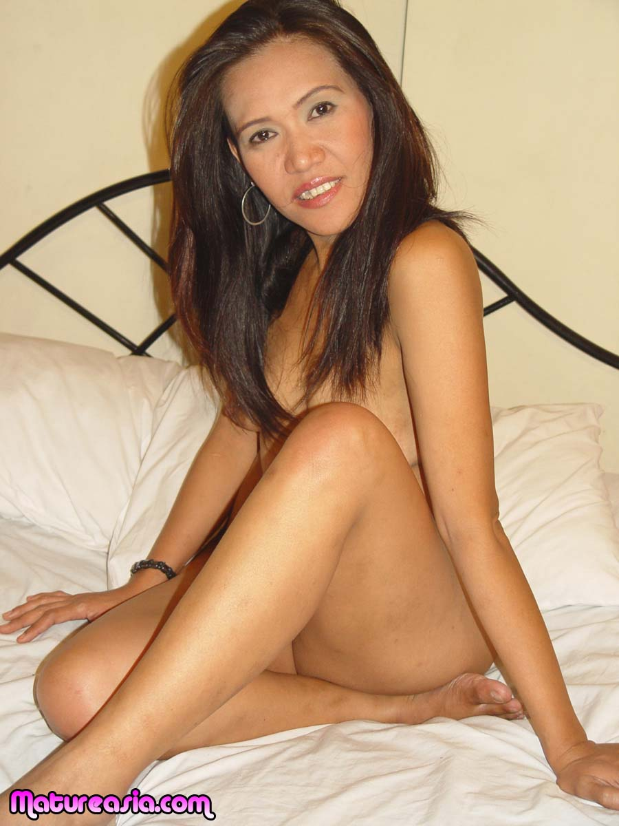 42 Shows / Young Asian Granny